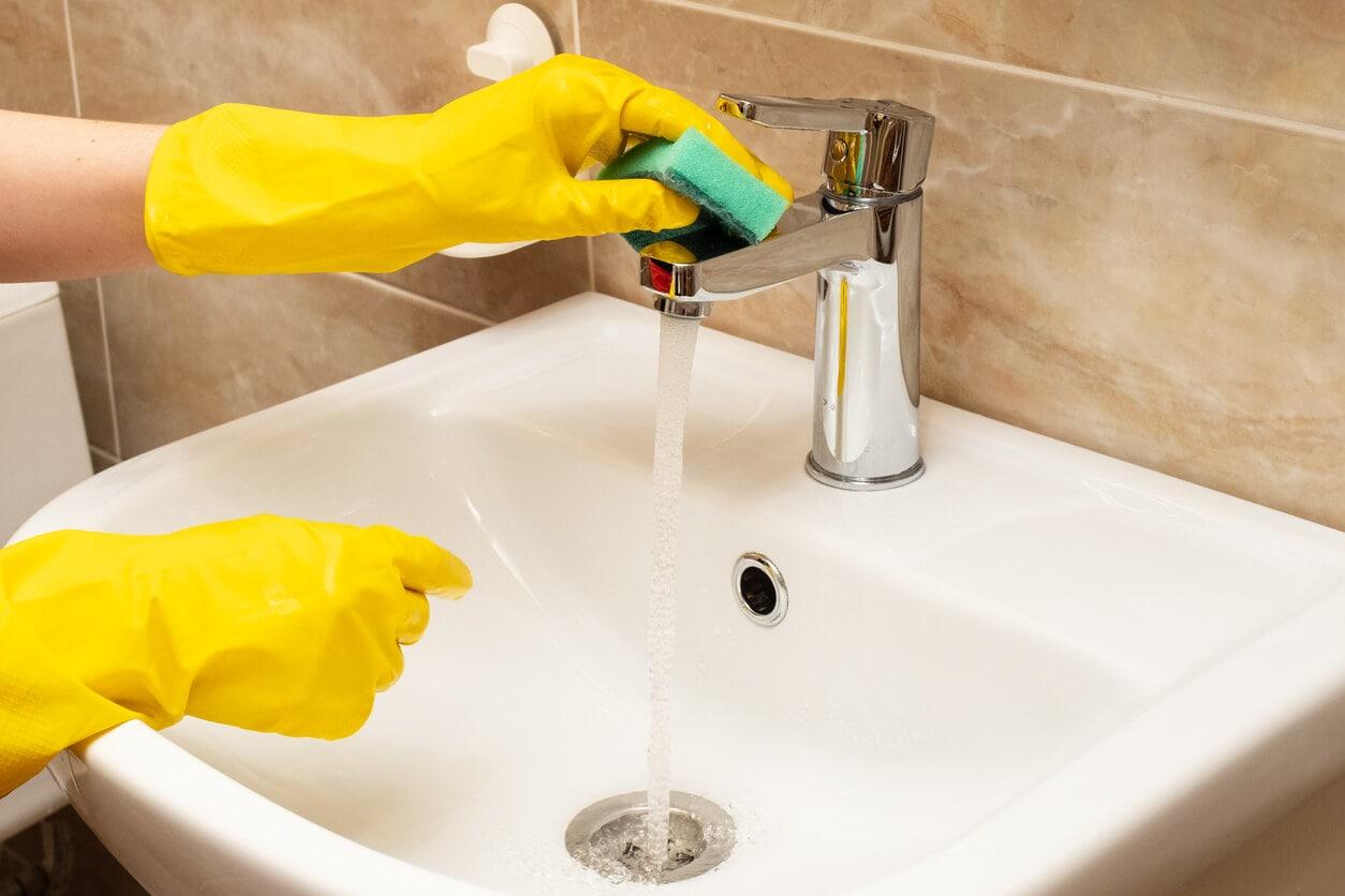 Como limpiar y desinfectar la bañera
